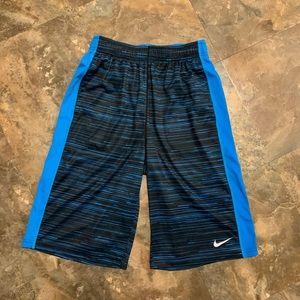 Boys Nike XL basketball athletic shorts